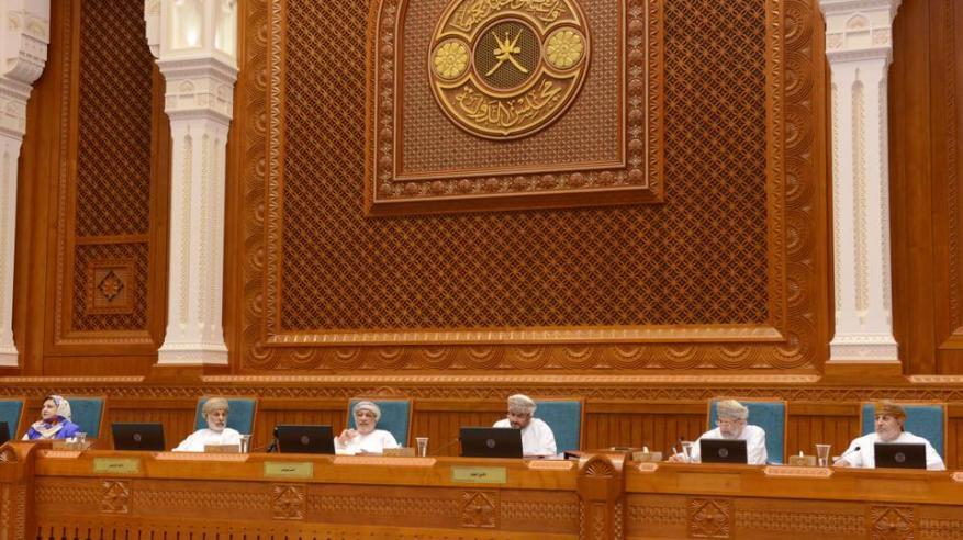"""""""الدولة"""" يقر مشروع قانون الشركات التجارية واللائحة الداخلية للمجلس"""