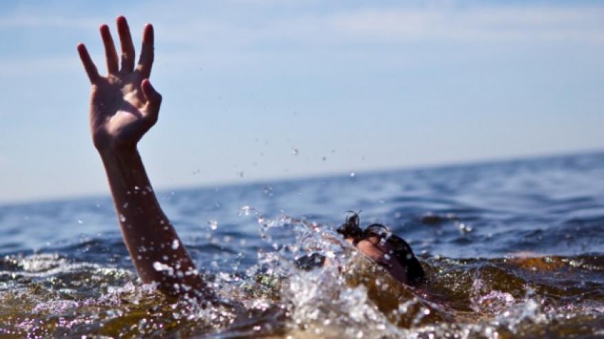 وفاة شخص غرقا في مياه مسقط
