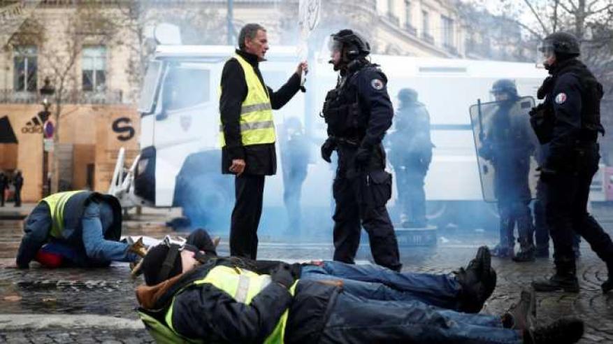 """ارتفاع عدد قتلى احتجاجات """"السترات الصفراء"""" في فرنسا"""