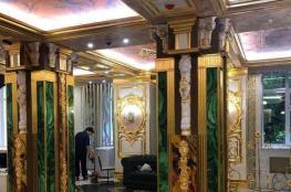 بالفيديو.. ملياردير روسي يحول مدرسته القديمة إلى قصر