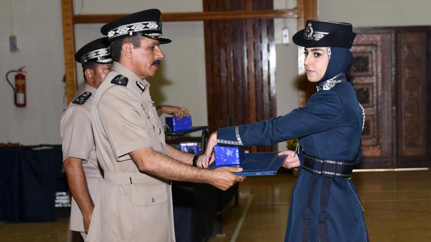 حفل تسليم الشهادات الدراسية للضباط الخريجين 13