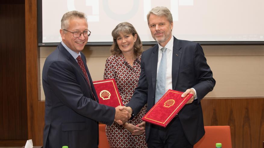 H.E. Laetitia van Asch, Ambassador of Netherlands, Mark Geilenkirchen, CEO of SOHAR Port and Freezone and Chris Breeze, Shell Oman Country Chairman