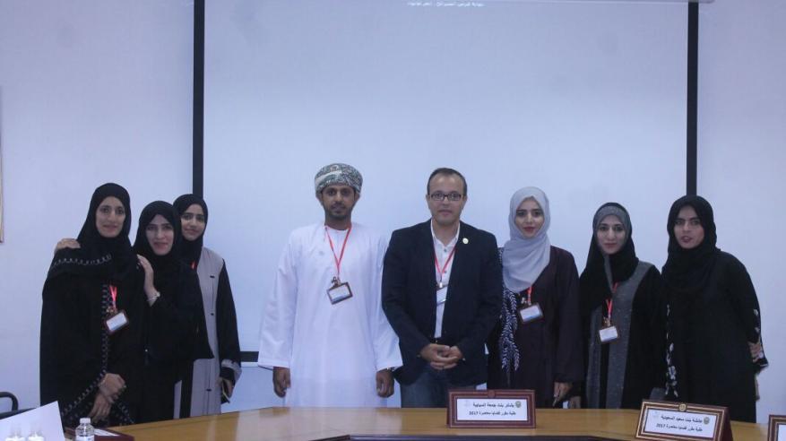 """طلاب جامعة السلطان قابوس يقدمون نموذج محاكاة لمجلس إدارة """"الرياضة الجامعية"""""""