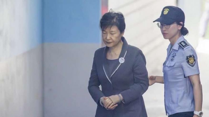 رئيسة كوريا الجنوبية مهددة بالسجن 30 عاما