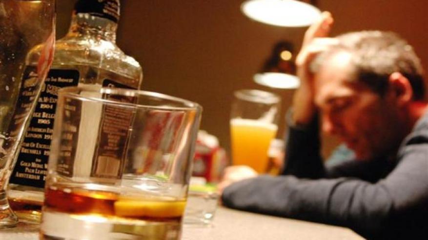 رجال رومانيا ونساء أوكرانيا أكثر استهلاكا للمشروبات الكحولية في العالم