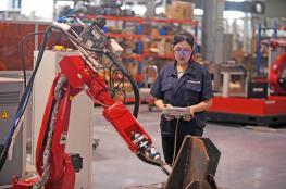 ازدهار الروبوتات في الصين مع انخفاض تكاليف الإنتاج