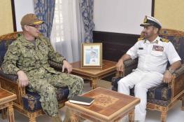 الرئيسي يستقبل قائد البحرية بالقيادة الوسطى الأمريكية