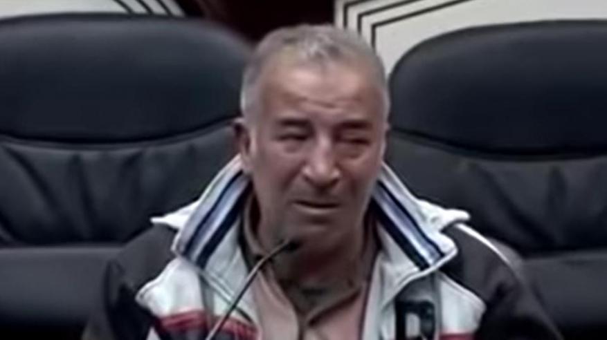 بالفيديو: مواطن يبكي بحرقة داخل البرلمان العراقي .. تعرف على السبب