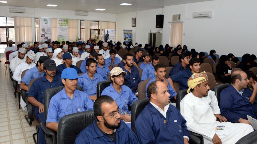 """""""التنمية العماني"""" يمول 847 مشروعا في الظاهرة بأكثر من 3.7 مليون ريال"""