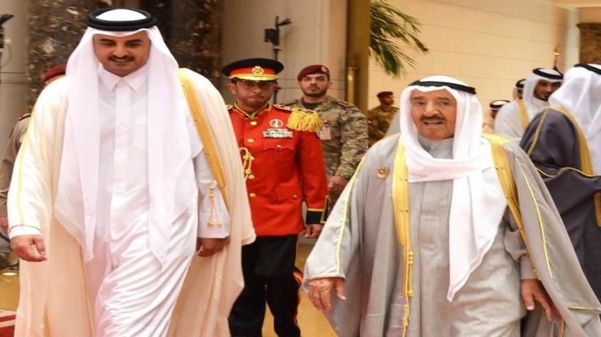 أمير قطر يتوجه إلى الكويت