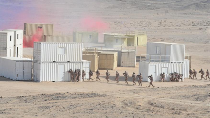 """انطلاق البيان العملي للتمرين المشترك العماني البحريني """"النمر العربي 3"""""""