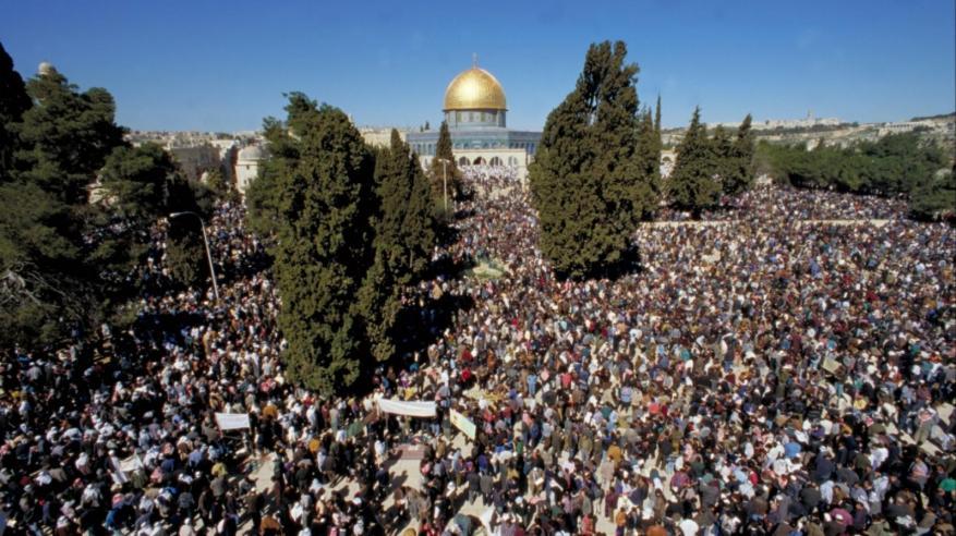 إسرائيل تمنع صلاة الجمعة في المسجد الأقصى بعد مقتل شرطيين