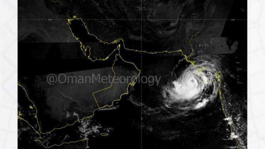 """""""الأرصاد"""" تصدر التقرير رقم 4 عن العاصفة المدارية في بحر العرب"""