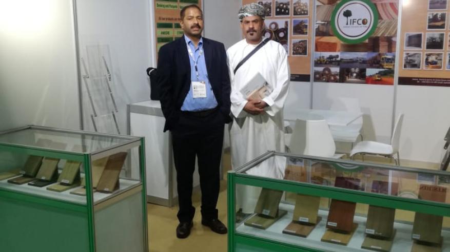 """جمعية هواة العود تُشارك في معرض الأخشاب ومكائنه في""""دبي"""""""