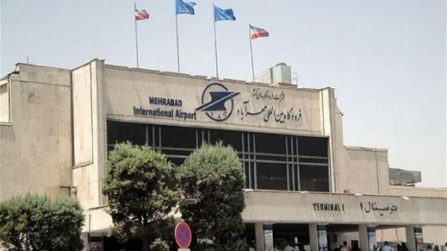 اندلاع حريق في طائرة بمطار إيراني