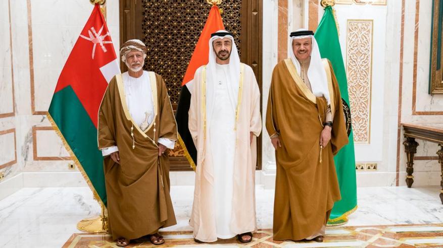 بن علوي يبحث في أبوظبي تفعيل العمل الخليجي