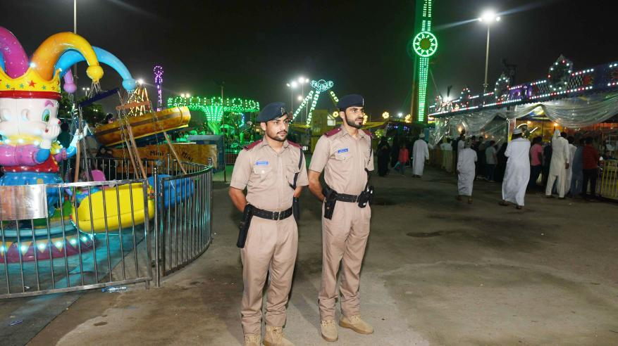 الشرطة تواصل جهودها في مهرجان خريف صلالة السياحي لهذا العام3