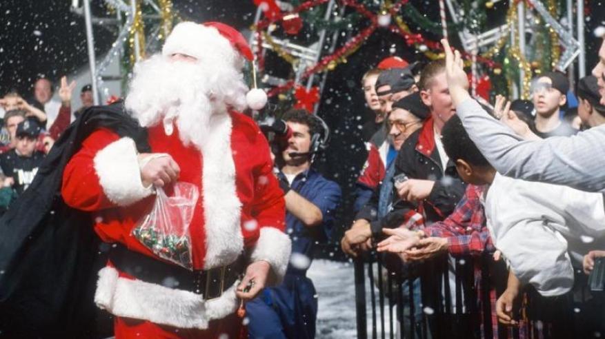 """""""بابا نويل"""" يبدأ جولته العالمية لتوزيع الهدايا من القطب الشمالي"""