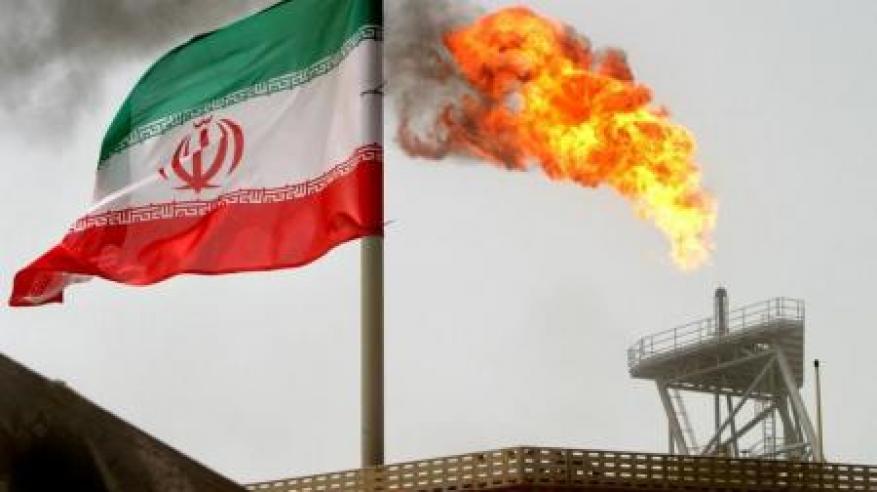 إيران تطرح مناقصة لتطوير حقول نفط وغاز