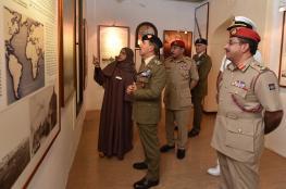 رئيس أركان الجيش الإيطالي يزور متحف قوات السلطان المسلحة