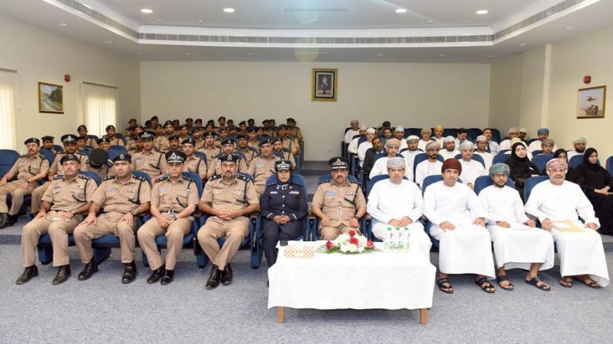 مركز شرطة الوطية ينظم لقاء لتبسيط الإجراءات في التعامل مع الحوادث البسيطة