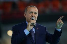 الليرة تتجه لتسجيل مزيد من الخسائر.. وأردوغان للأتراك: بالالتزام والإصرار نواجه الهجمات على الاقتصاد