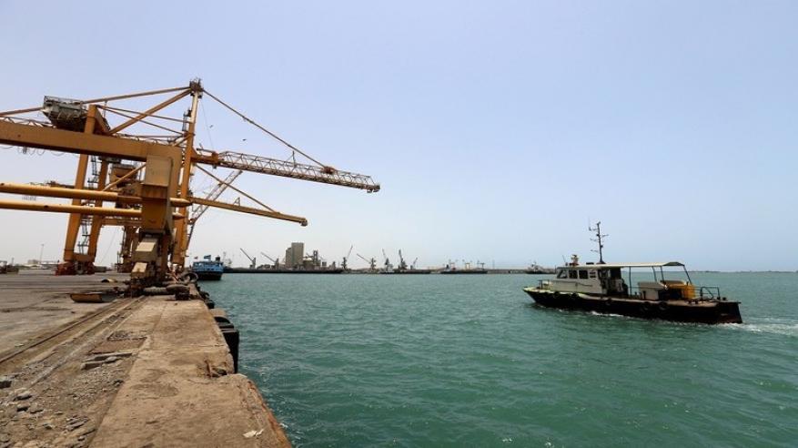 اليمن تحذر من كارثة في خليج عدن والبحر الأحمر