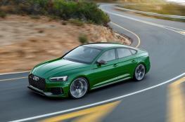 """Audi RS 5"" تجمع التصميم الاستثنائي والأداء الفائق"