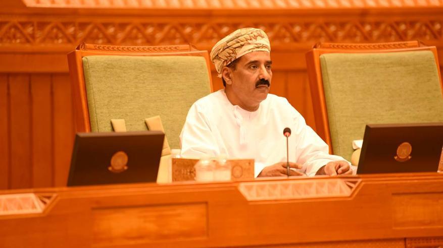 سعادة محمد هبيس مقرر الجلسة حول مشروع اتفاقية تحرير التجارة في الخدمات بين الدول العربية