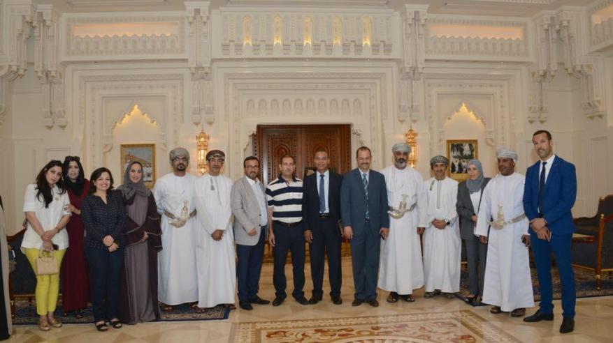 وفد برلماني مغربي يزور دار الأوبرا السلطانية
