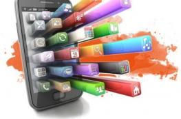شباب: التواصل مع كبار السن والاستفادة من خبراتهم أهم من تضييع الوقت على تطبيقات الهواتف