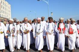 صحار تخرج في مسيرة ولاء وعرفان واحتفالات في إبراء ومسقط وصور