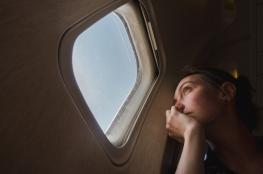 تعرف على سبب البكاء في الرحلات الجوية