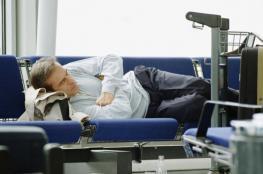 هذا المطار يمنع المسافرين من النوم