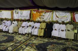 تكريم الإعلاميين والمساهمين في مهرجان حمراء الدروع لمزاينة الإبل