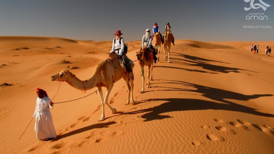 تنوع الأنشطة السياحية بين الطبيعة والمغامرات أبرز عوامل جذب السياح للسلطنة