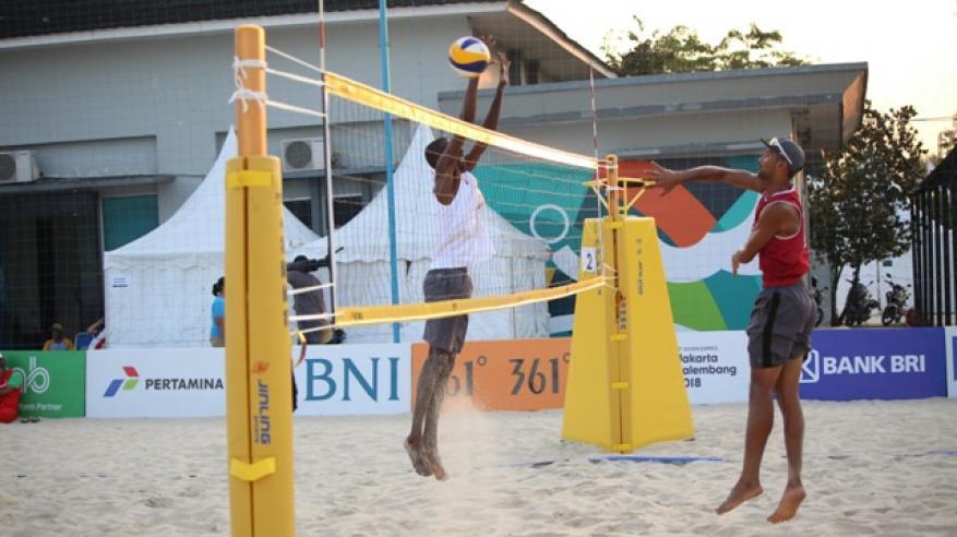 من  تدريبات منتخب الكرة الشاطئية  استعدادا لمنافسات دورة الالعبا الاسيوية الثامنة عشر بأندونيسيا