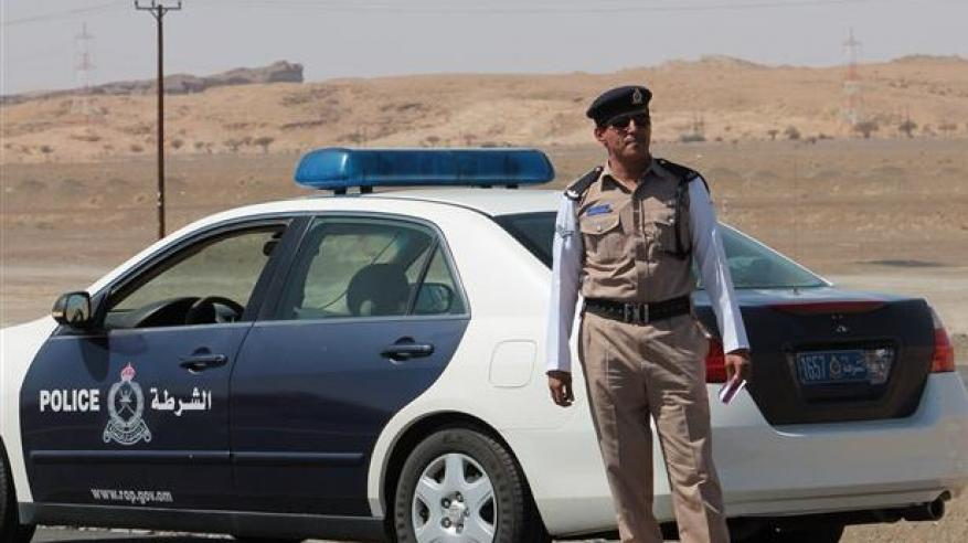 القبض على 5 مواطنين لانتحال صفة رجال الشرطة والسرقة بالإكراه