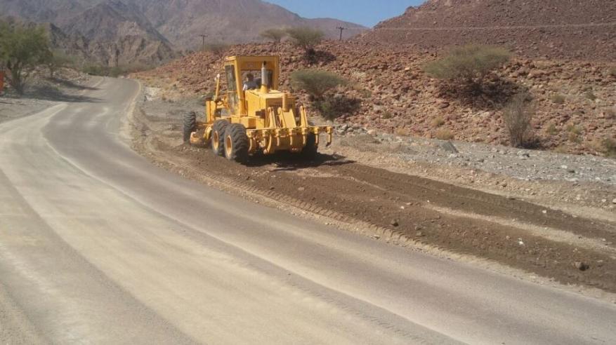 """""""النقل"""" ردا على مقال بـ""""الرؤية"""": الطرق الجبلية تحظى بأولوية الصيانة"""