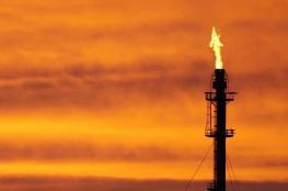 النفط يقفز لأعلى مستوى في 2019
