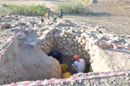 قسم الآثار بجامعة السلطان قابوس ينهي أعمال التنقيب في موقع الغريين