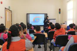 136 طالبا وطالبة يزورون المدرسة المرورية