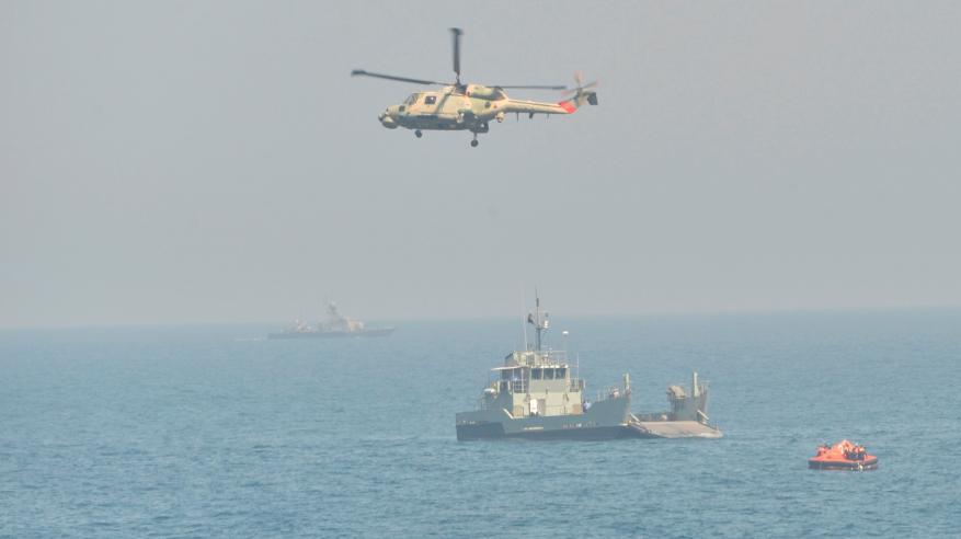 تنفيذ التمرين السنوي المشترك بين البحرية السلطانية والإيرانية