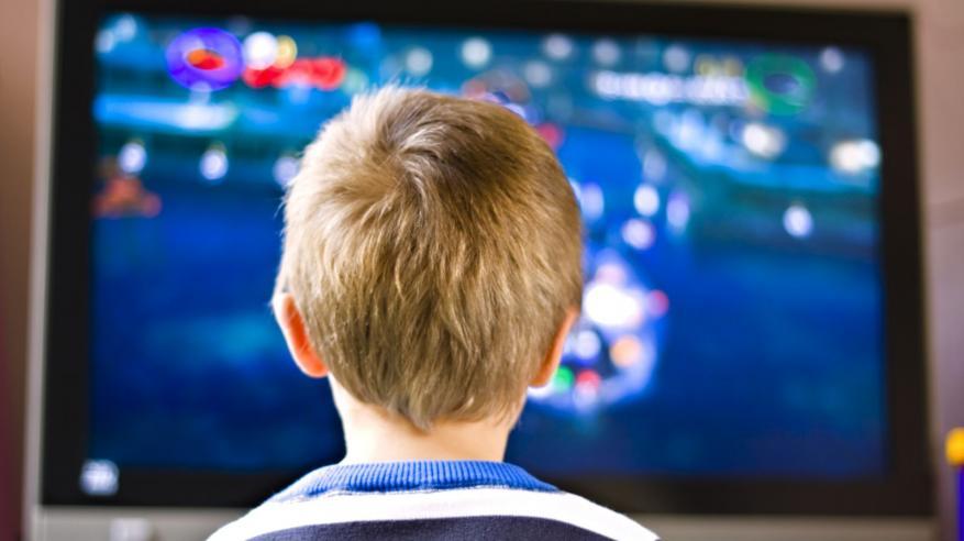 التليفزيون في غرفة الأطفال يزيد خطر البدانة