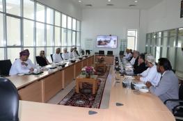 السنيدي يطلع على مراحل إنشاء مركز الصناعات التحويلية المتقدمة بجامعة صحار