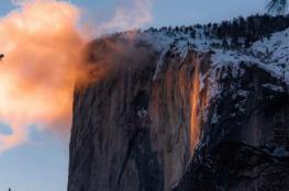 """بالفيديو والصور .. تعرف على قصة """"شلال النار"""" في كاليفورنيا"""
