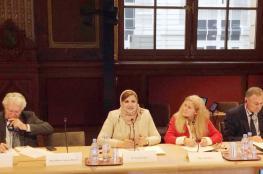 """ندوة في """"الشيوخ"""" الفرنسي تسلط الضوء على دور المرأة العمانية"""