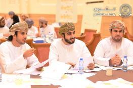 """رئيس """"الشورى"""" يشيد بالمشاركة الفاعلة والمقترحات البناءة للشباب العماني في """"شباب ممَكّن"""""""
