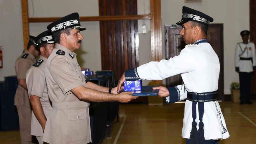 حفل تسليم الشهادات الدراسية للضباط الخريجين 6