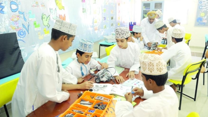 مختصون وطلاب: المخيمات الصيفية تصقل شخصية الطالب وتعينه على تحمل المسؤولية